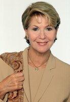 Christiane Hörbiger als Dr. Julia Laubach.