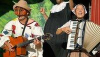 Theatergruppe Compania Cocolores.