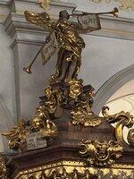 Detail der Kanzel in der Kirche St. Peter in München.