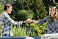 Ist es wirklich eine gute Idee von Alex (Chyler Leigh, l.) und Kara (Melissa Benoist, r.) an den Ort ihrer Kindheit zurückzukehren?