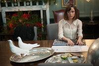 Nachdem sie ein Jahr verheiratet sind, müssen sich Nat (Rose Byrne) und Josh eingestehen, dass sie sich das Projekt Ehe einfacher vorgestellt haben ...