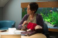Das Ehepaar landet nach nicht mal einem Jahr bei der Paar-Therapeutin Linda (Olivia Colman) ...