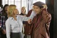 Natalie (Traylor Howard) hat Monk (Tony Shalhoub) zu einem Malkurs angemeldet.