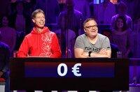 Rateteam-Kapitän Elton (r.) und der Komiker Martin Schneider (l.) bilden ein Rateteam.