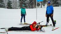 Annette Krause beim Biathlon mit Ulrike und Uwe Spo?rl in Oberjoch.