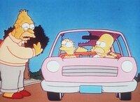 An jedem Sonntag fährt die Familie bei Opa (li.) im Altersheim vor, um ihn irgendwohin mitzunehmen - ob er will oder nicht.