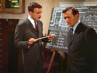 Peter Sellers als Inspector Clouseau, Graham Stark als Hercule LaJoy