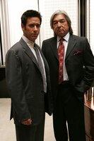 Wird Chief Michael Clearwater (Graham Greene, r.) Don (Rob Morrow, l.) bei seinen Ermittlungen weiterhelfen können?