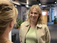 Glücklich durch Körperoptimierung? Sozialpsychologin und Buchautorin Anuschka Rees hinterfragt den Wert von Schönheits-Operationen.