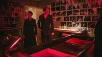 Joan Watson (Lucy Liu, l.); Sherlock Holmes (Jonny Lee Miller, r.)