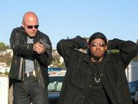 Detective Vic Mackey (Michael Chiklis, l.), Rondell Robinson (Walter Emanuel Jones)