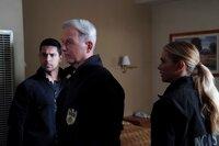 (v.l.n.r.) Nick Torres (Wilmer Valderrama); Leroy Jethro Gibbs (Mark Harmon); Ellie Bishop (Emily Wickersham)