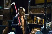 Der Vollzugsbeamte Casey Jones (Stephen Amell) macht sich auf die Suche nach der Wahrheit, nachdem ein Gefangener auf mysteriöse Weise verschwunden ist ...