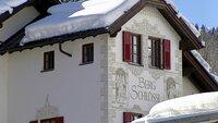 """Das alte Hotel """"Bergschlössl"""" in St. Anton."""