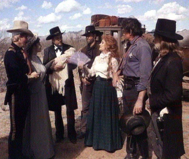 stagecoach doc holliday and mrs mallory Que con su la diligencia o stagecoach ,  lo integran willie nelson como doc holliday,  como mrs lucy mallory, june carter cash como mrs.