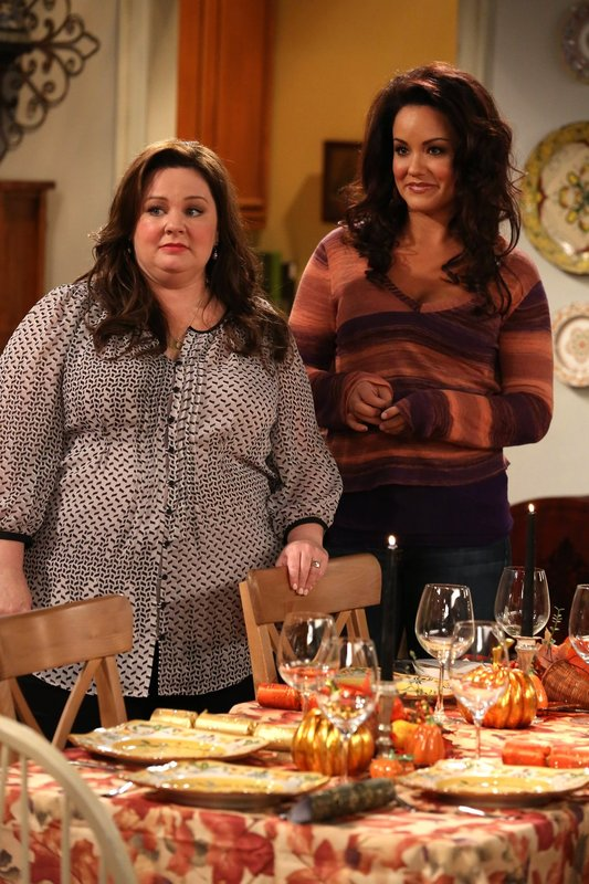 mike molly thanksgiving f llt aus thanksgiving is cancelled s03e07 tv wunschliste. Black Bedroom Furniture Sets. Home Design Ideas