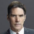 "Thomas Gibson als ""Hotch"""