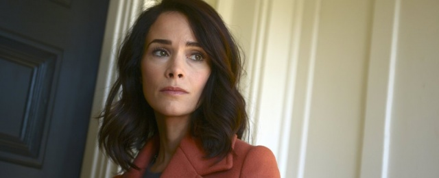"""Rebel"": Abigail Spencer (""Timeless"") im Trailer der Erin-Brockovich-Serie dabei"