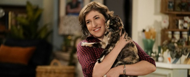 """Call Me Kat"": Trailer zur neuen Katzen-Café-Comedy mit Mayim Bialik (""The Big Bang Theory"")"