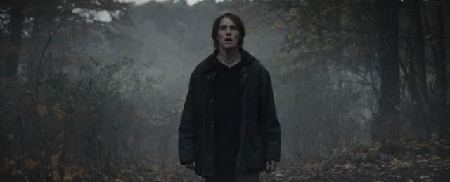 """""""Dark""""-Abschlussstaffel: Netflix-Erfolgsserie verliert sich in multiplen Welten und Zeiten"""