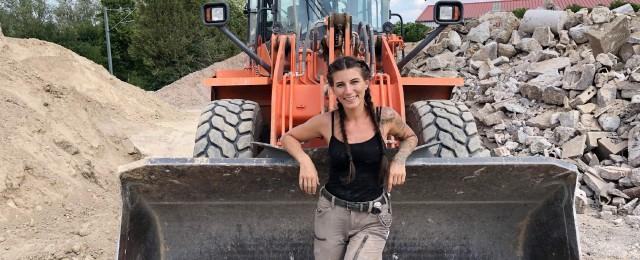 """""""Gut gebaut"""": Nitro zeigt klassische """"Männerjobs"""" in fähigen Frauenhänden"""