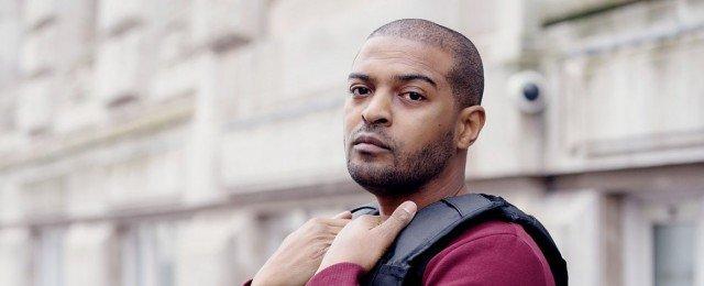 Britischer Schauspieler, Regisseur und Produzent soll an Sets Position missbraucht haben