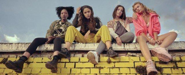 Vier junge Berliner Frauen blicken in ungewisse Zukunft
