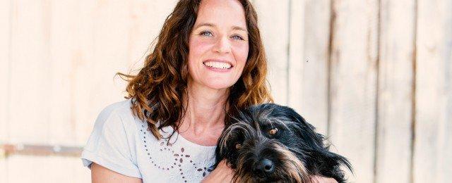 Neue Folgen im März mit Kate Kitchenham