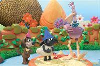 Timmy (Mi.) und seine Freunde sind heute Piraten. Henriette (re.) staunt nicht schlecht, als die Kleinen plötzlich vor ihr stehen und den gefundenen Schatz präsentieren.