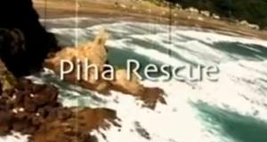 SOS am Piha Beach