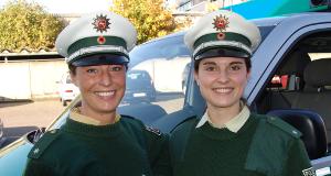 Julia & Tanja - Zwei Polizistinnen auf Streife