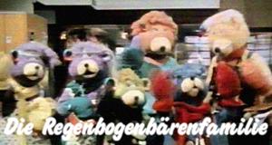 Die Regenbogenbärenfamilie